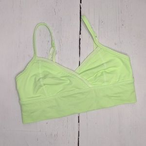 Lululemon | neon green sports bra sz 4